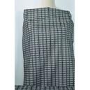 Šedočerná kostýmovka s tkaným vzorem