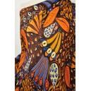 Šatovka v barvách motýlích křídel